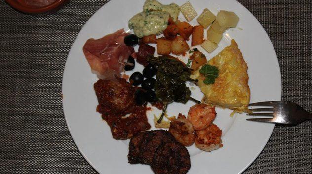 Rinderfilet mit Spinat Parmesan Champignons und Bacon Butter 19
