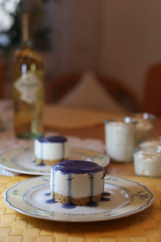 Sekt-Mousse-Törtchen mit Veilchenlikör-Soße 2