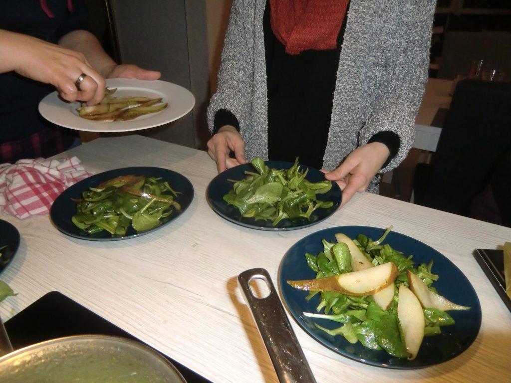 Winterlicher Feldsalat mit gebratenen Birnen, Waldchampignons und Bacon 4
