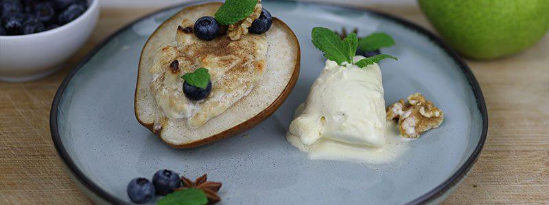 Zimt-Ricotta auf warmer Birne mit Vanille-Eis 1