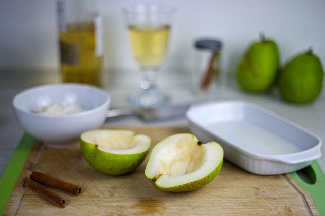 Zimt-Ricotta auf warmer Birne mit Vanille-Eis 5