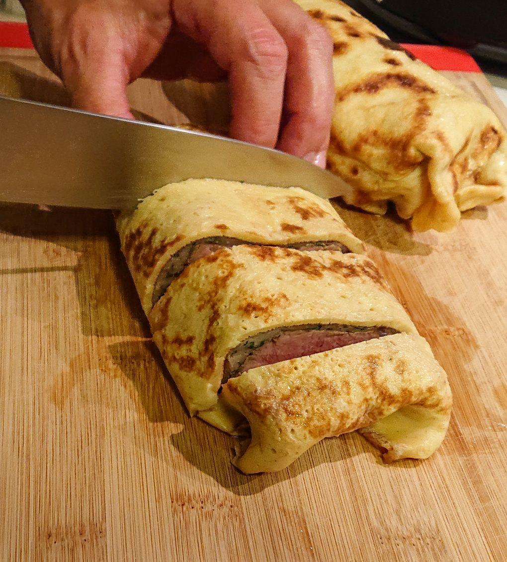 Kalbsfilet im Pfannkuchen-Mantel auf Kartoffelschaum mit frischen Steinpilzen 3