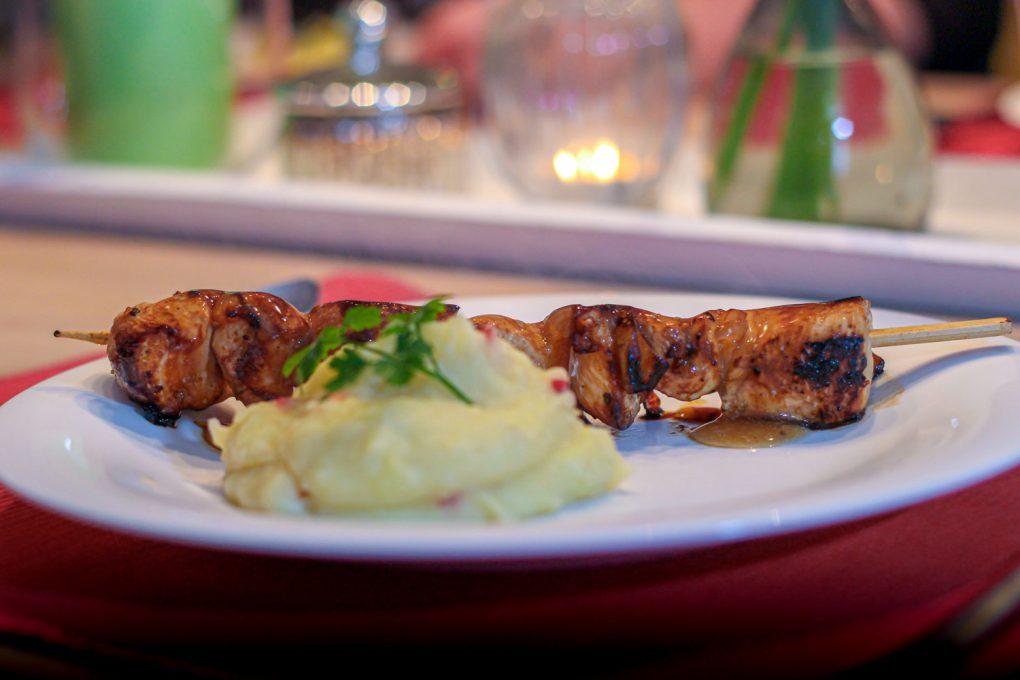 Hähnchenspieß mit Kokos-Kartoffel-Stampf