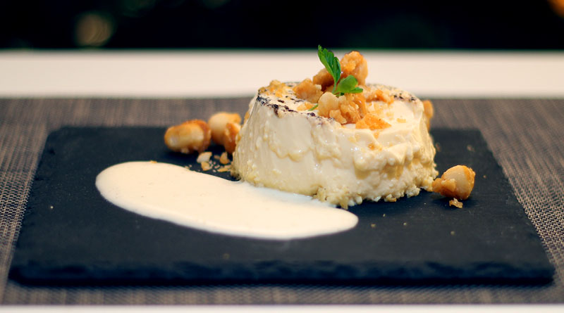 Vanille-Flan mit Zabaglione und karamellisierten Macadamia-Nüssen 1