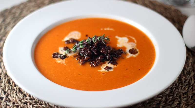 Paprika-Crème-Suppe mit Hackfleisch 1