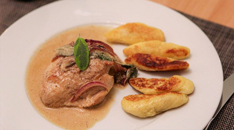 Salbei-Sherry-Huhn mit Bubenspitzle