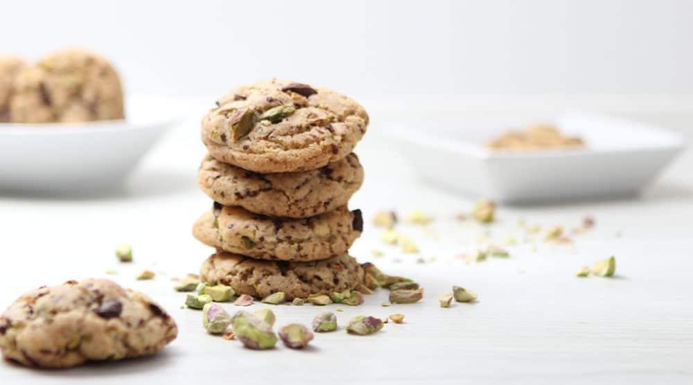 Salzige Pistazien Cookies mit Schokolade.