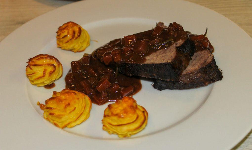 Brasato mit Schmorgemüse und Pommes Duchesse 5
