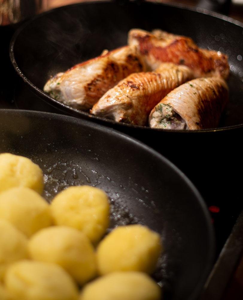 Hähnchenroulade mit Thunfisch, hausgemachte Knödel & Tomaten Salsa 4