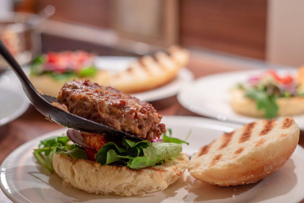 Cheeseburger mit Tomatenconfit 6