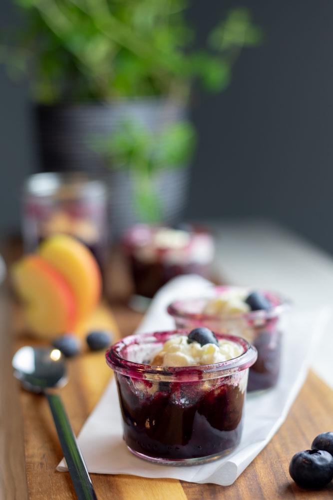 Apfel Dinkel-Crumble mit Heidelbeeren 8