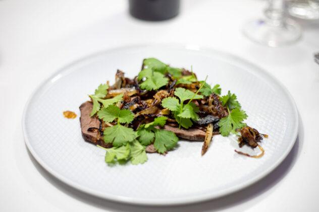 Curryfrischkäse auf Kukumer mit Radieschen, schwarzem Sesam und Keimlingen von der Gartenkresse 6