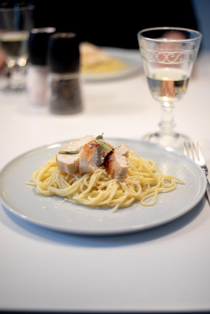 Senf-Honig-Hähnchen auf Zitronen-Spaghetti